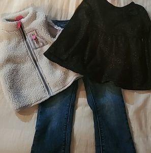 ✨Lot of 3✨Girls Pieces Jeans/Vest/Shirt 24 mths